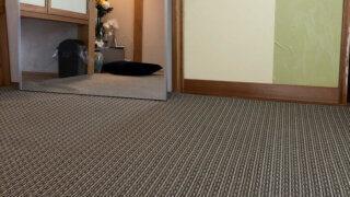 ストライプ効果で広く見える!和室に合うモダンなカーペット