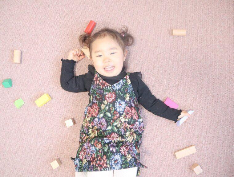 ピンク系のカーペットは女の子のお部屋にピッタリ!