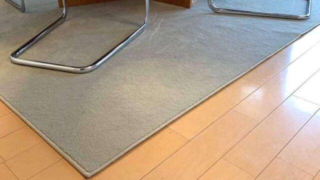 テーブルサイズにピッタリ!ダイニング用カーペット