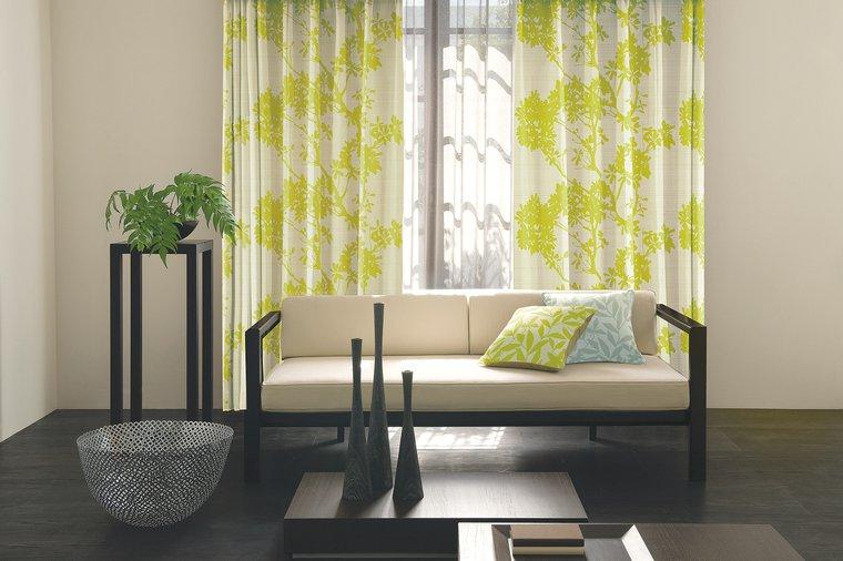遮光1級カーテン「BRAYDEN/ブレイデン」は遮光1級の美しいカラーリング!花畑を連想させる生地がおしゃれ