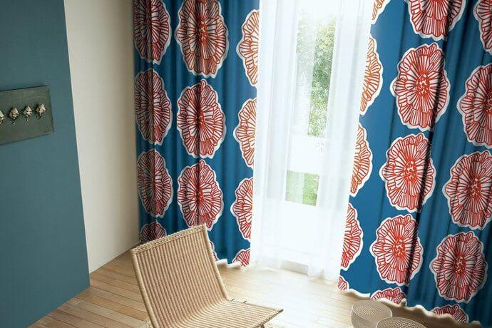 カーテン「ALLISON/アリソン」は大輪の花を咲かせたダイナミックなデザイン