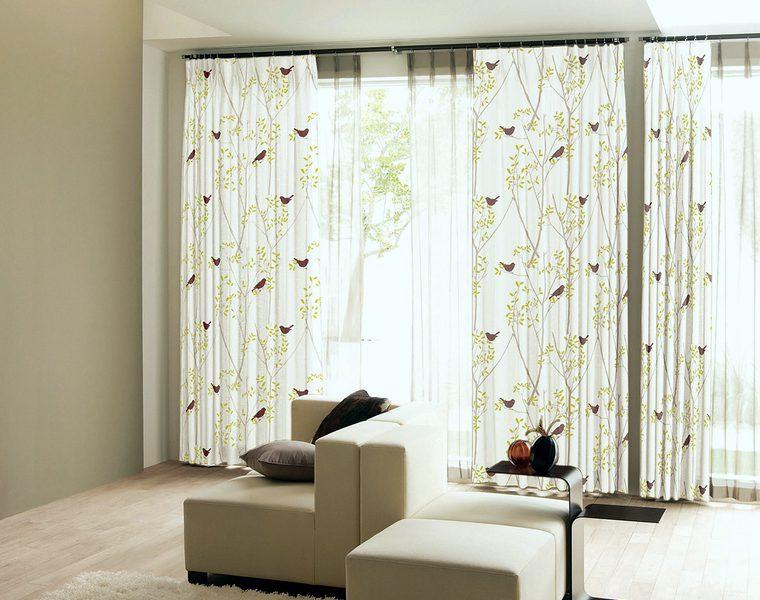 北欧デザインカーテン「ZOE/ゾーイ」は可愛い絵柄で描かれた遮光2級の北欧系デザイン