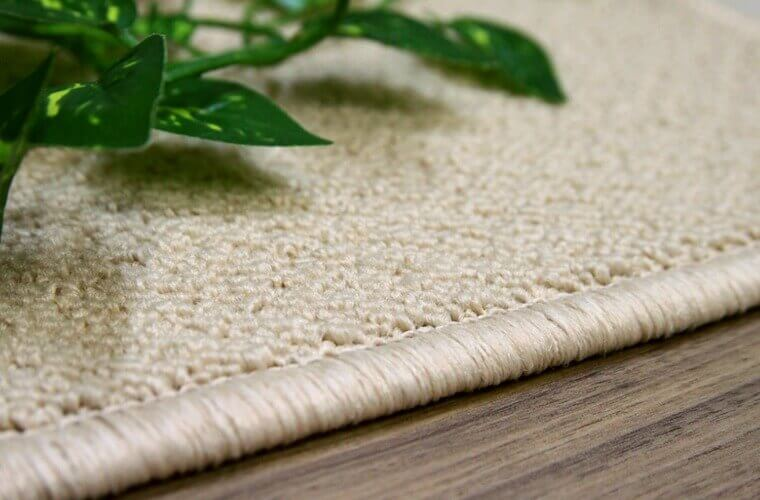 しっかり糸(パイル)が詰まった防音に特化したカーペット