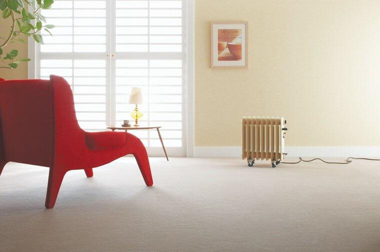 ウールカーペット・絨毯 オーダー対応「LUSH/ラッシュ」は発色が美しいシンプルなカラーが勢揃い!カットパイルの天然素材