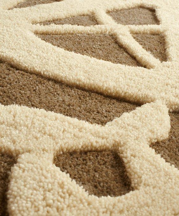 床を彩るラグマット