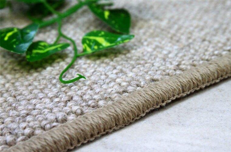 同じ色が出ない無染色ウール絨毯