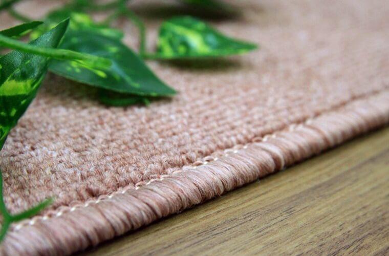 遊び毛も出にくいのでお掃除がしやすいカーペット