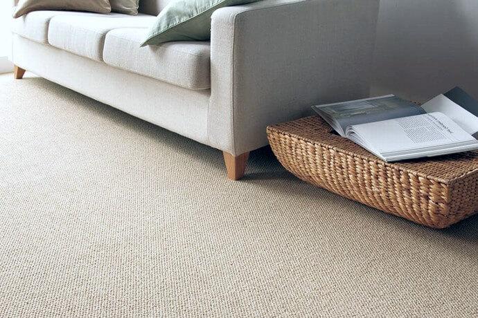 遊び毛防止カーペット・絨毯 オーダー対応「PISTA/ピスタ」は防汚・抗菌機能付きなのでリビングやダイニングに最適