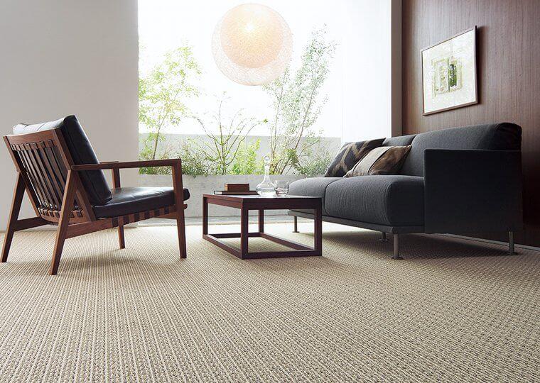 汚れに強いカーペット・絨毯 オーダー対応「RIZIN/ライジン」はペット臭やホルムアルデヒドも消臭!家族が集まるリビングに最適