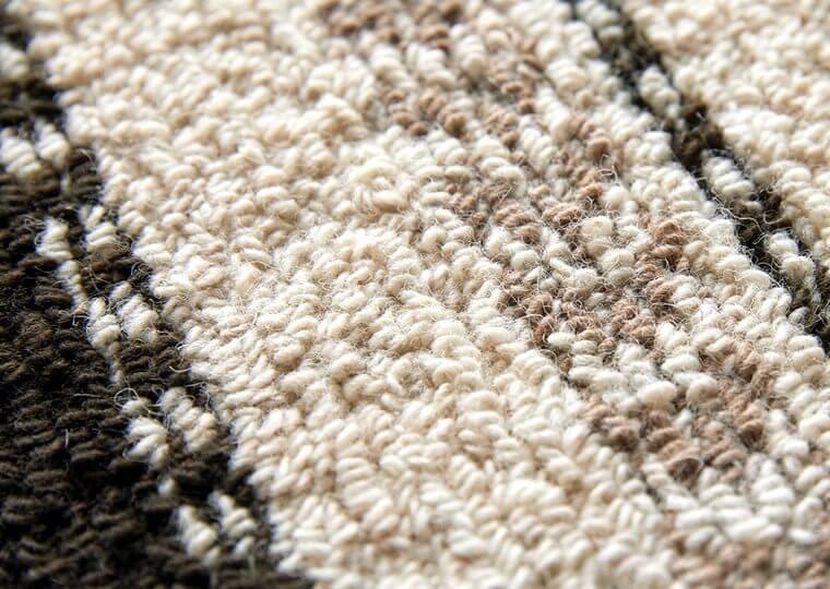 ニュージーランド産羊毛を100%使用した天然素材ラグ