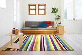 カラフルラグマット「VIVI/ビビ」はキッズルームにぴったりのポップで鮮やかなラインカラー
