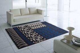 床暖対応ラグマット「YARD/ヤード」は有機的な深みのあるシックなネイビーカラー