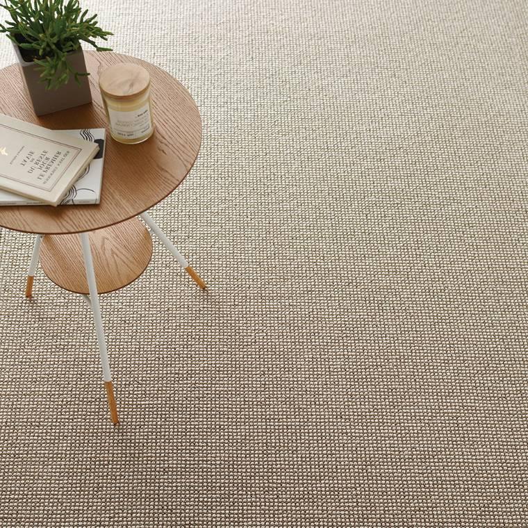 ウール素材のカーペット