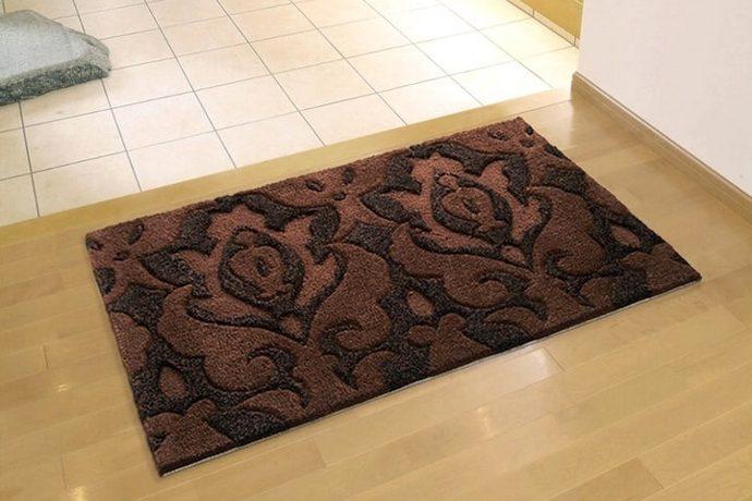玄関マット「BOUQUET/ブーケ ミニ」は深みのあるブラウン系の花柄デザイン