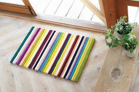 キッチンマット「VIVI/ビビ ミニ」は色鉛筆を並べたような可愛いカラー