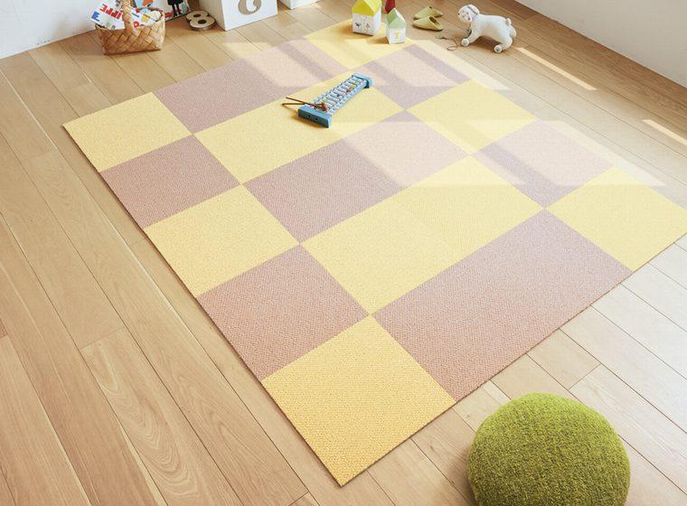 色鮮やかなタイルカーペット